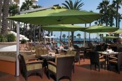 Nice-Tropical-Look-of-Restaurants-Patio-Umbrella-Decorating-Ideas